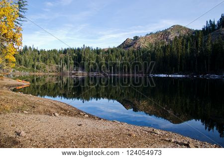 LINDSEY LAKE IN TAHOE NATIONAL FOREST CALIFORNIA