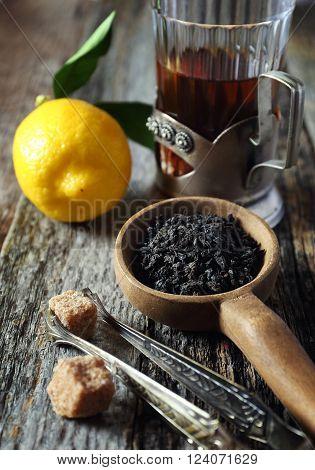 Leaf black tea, lemon and brown sugar