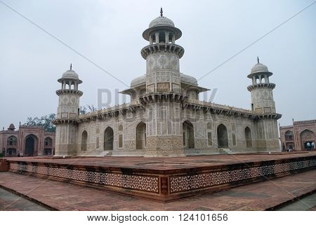Itmad-Ud-Daulah's tomb in Agra Uttar Pradesh India. Also known as the Jewel Box or the Baby Taj.