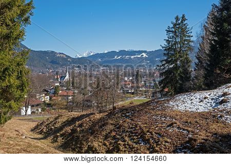 hiking area garmisch-partenkirchen bavarian early spring landscape