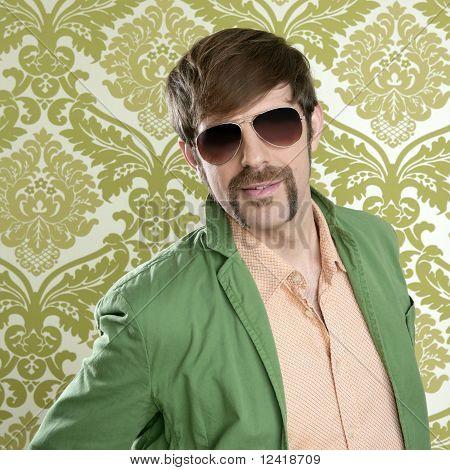 Geek Retro Verkäufer Mann lustige Schnurrbart