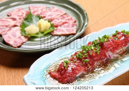 horse meat sashimi and horse meat carpaccio