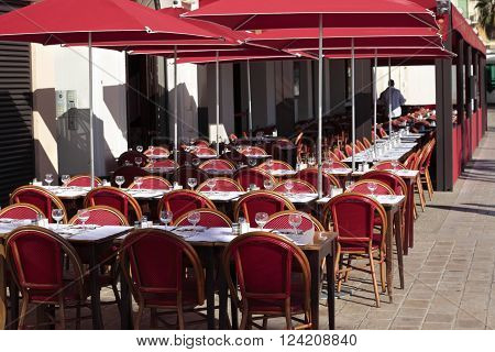 French restaurant South of France sidewalk cafe