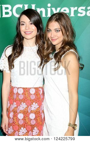 LOS ANGELES - APR 1:  Miranda Cosgrove, Mia Serafino at the NBC Universal Summer Press Day 2016 at the Four Seasons Hotel on April 1, 2016 in Westlake Village, CA