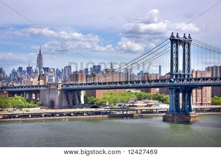 view of the Manhattan Bridge and Manhattan skyline