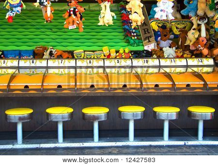 view of carnival game horse race waiting for players