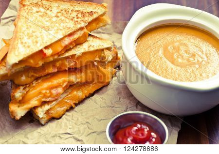 grilled cheese and heirloom tomato sandwiches and tomato chickpea soup