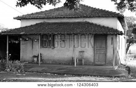 A humble house in the countryside (monocromatic)