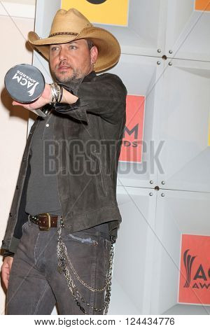 LAS VEGAS - APR 3:  Jason Aldean at the 51st Academy of Country Music Awards at the MGM Grand Garden Arena on April 3, 2016 in Las Vegas, NV