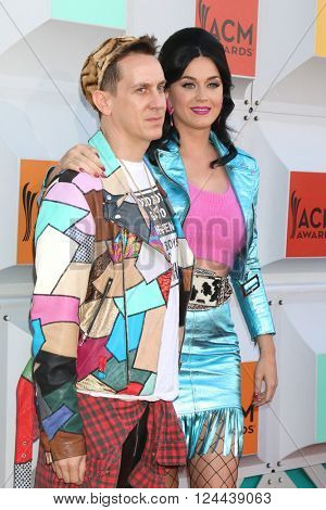 LAS VEGAS - APR 3:  Jeremy Scott, Katy Perry at the 51st Academy of Country Music Awards Arrivals at the Four Seasons Hotel on April 3, 2016 in Las Vegas, NV