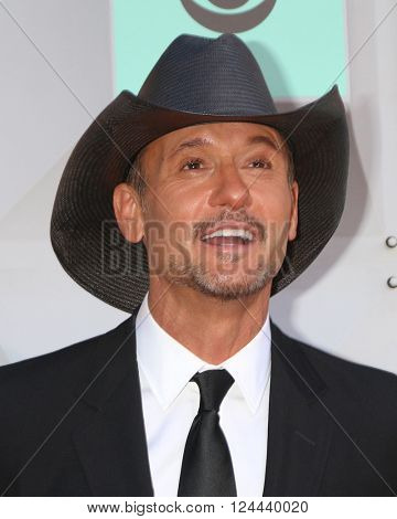 LAS VEGAS - APR 3:  Tim McGraw at the 51st Academy of Country Music Awards Arrivals at the Four Seasons Hotel on April 3, 2016 in Las Vegas, NV