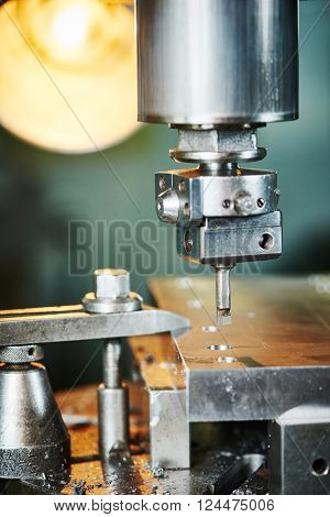 industrial metalworking boring cutting process by milling cutter