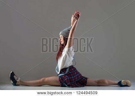 Teen Breakdance Girl Sitting In Splits