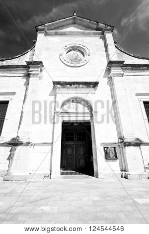 Heritage  Old Architecture In Italy Europe Milan Religion       And Sunlight