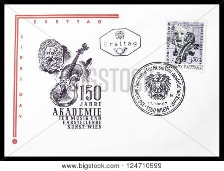AUSTRIA - CIRCA 1967 : Cancelled First Day Cover letter printed by Austria, that shows Violin and theater mask.