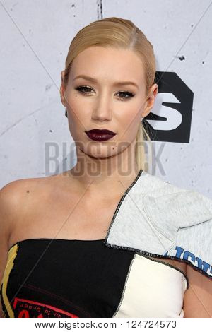 LOS ANGELES - APR 3:  Iggy Azalea at the iHeart Radio Music Awards 2016 Arrivals at the The Forum on April 3, 2016 in Inglewood, CA