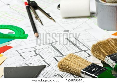 Painting and drawing tools on the premises for repair scheme