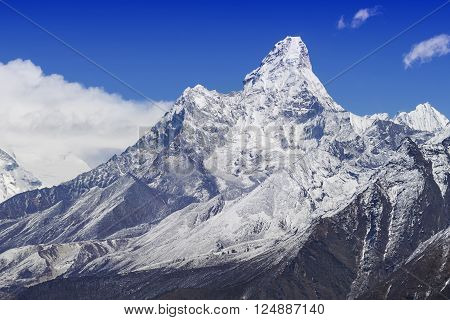 Mount Ama Dablam in the Nepal Himalaya, Everest Base Camp Trek.