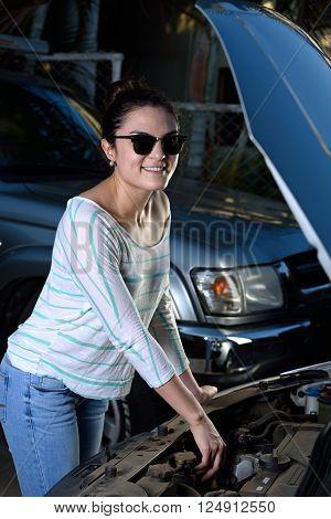 Girl Check Car