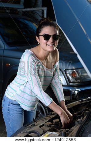 Sexy Woman Check Car