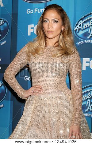 LOS ANGELES - APR 7:  Jennifer Lopez at the American Idol FINALE Arrivals at the Dolby Theater on April 7, 2016 in Los Angeles, CA
