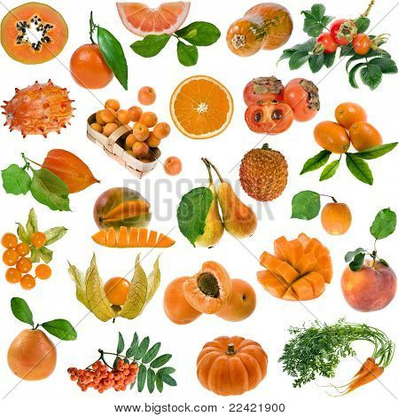 todo el color naranja: bayas, frutas y verduras aislados en blanco