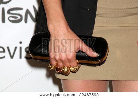 LOS ANGELES - 7 de AUG: Lana Parrilla en la gira de verano prensa de Disney/ABC Television Group en el Beve