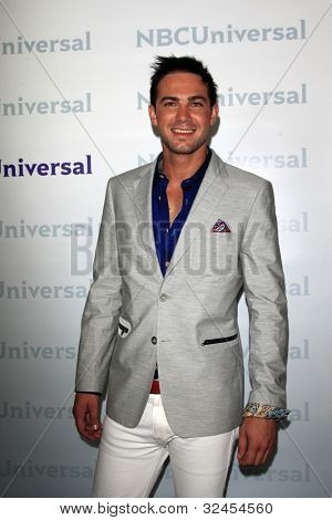 PASADENA - APR 18:  Emile Welman arrives at the NBCUniversal Summer Press Day at The Langham Huntington Hotel on April 18, 2012 in Pasadena, CA