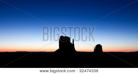 Sunrise Over The Buttes In Monument Valley Arizona