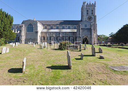 Christchurch Priory & Graveyard
