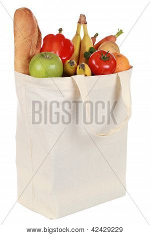 wiederverwendbare Einkaufstasche gefüllt mit Gemüse und Obst
