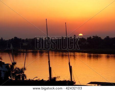 Fluss Nil Sonnenuntergang