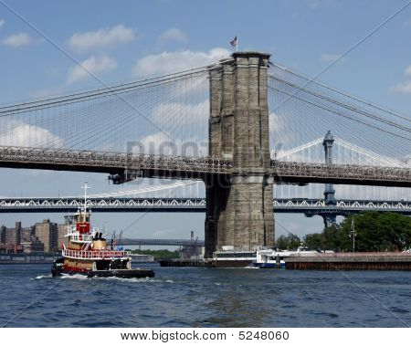 Tug Under Ny Bridges