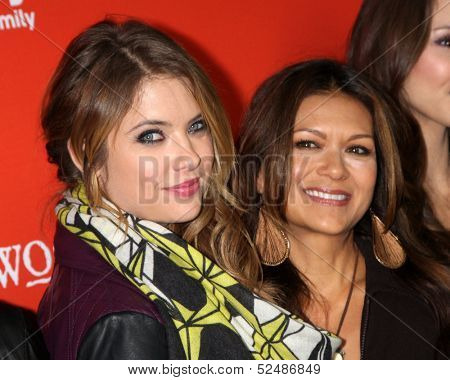 LOS ANGELES - OCT 15:  Ashley Benson, Nia Peeples at the