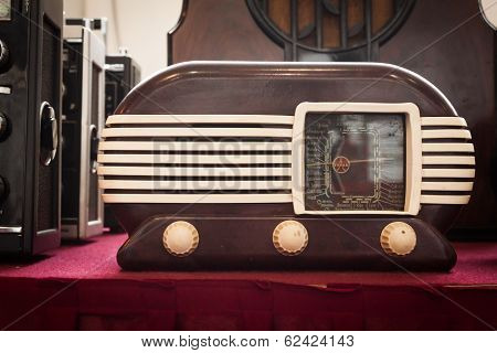 Vintage Radio At Robot And Makers Show