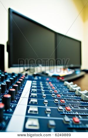 Audio Mixer And Pc