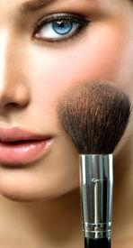 pic of face-powder  - Makeup - JPG