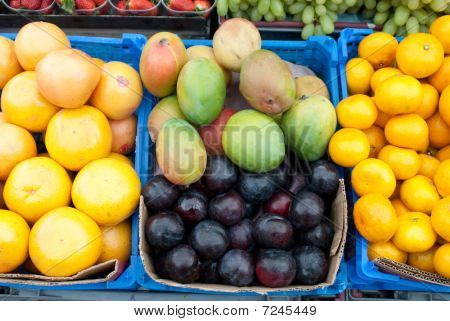 Fruits Stacked Up
