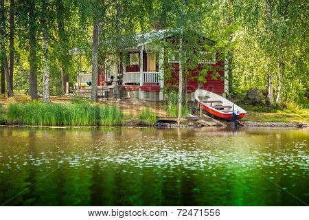 Cottage By The Lake In Rural Finland