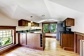 image of vault  - Upstairs kitchen room with vaulted ceiling and windows - JPG