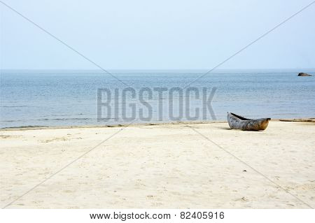 Local, Traditional Mokorokoro (Dhow) on the Beach of Lake Malawi, Malawi, Africa