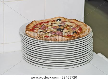 Classic Italian Pizza