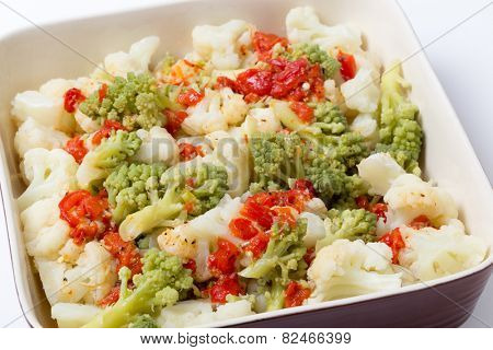 Italian style Cauliflower and romanesco salad with grilled bell pepper and  a lemon, olive oil, chili, salt and pepper marinade.