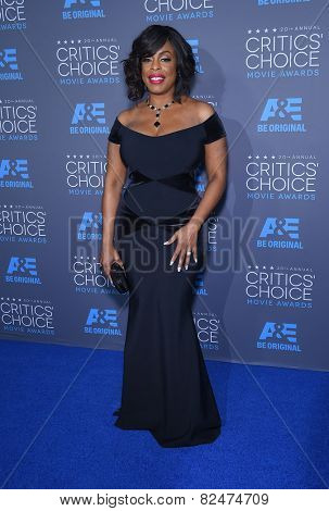 LOS ANGELES - JAN 16:  Niecy Nash arrives to the Critics' Choice Awards 2015  on January 16, 2015 in Hollywood, CA