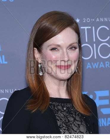 LOS ANGELES - JAN 16:  Julianne Moore arrives to the Critics' Choice Awards 2015  on January 16, 2015 in Hollywood, CA