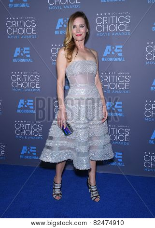 LOS ANGELES - JAN 16:  Leslie Mann arrives to the Critics' Choice Awards 2015  on January 16, 2015 in Hollywood, CA