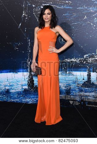 LOS ANGELES - FEB 02:  Jenna Dewan-Tatum arrives to the