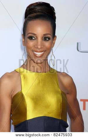 LOS ANGELES - FEB 6:  Shaun Robinson at the 46th NAACP Image Awards Arrivals at a Pasadena Convention Center on February 6, 2015 in Pasadena, CA