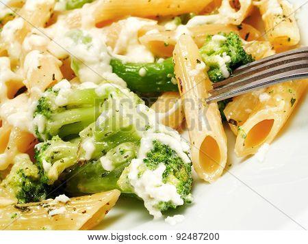 Macaroni With Broccoli