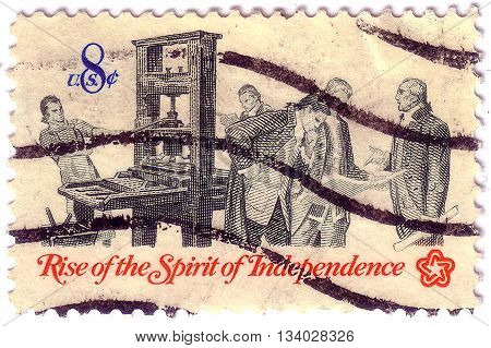 Usa - Circa 1973: A Stamp Printed In Usa Shows The Printer And Patriots Examining Pamphlet, From The